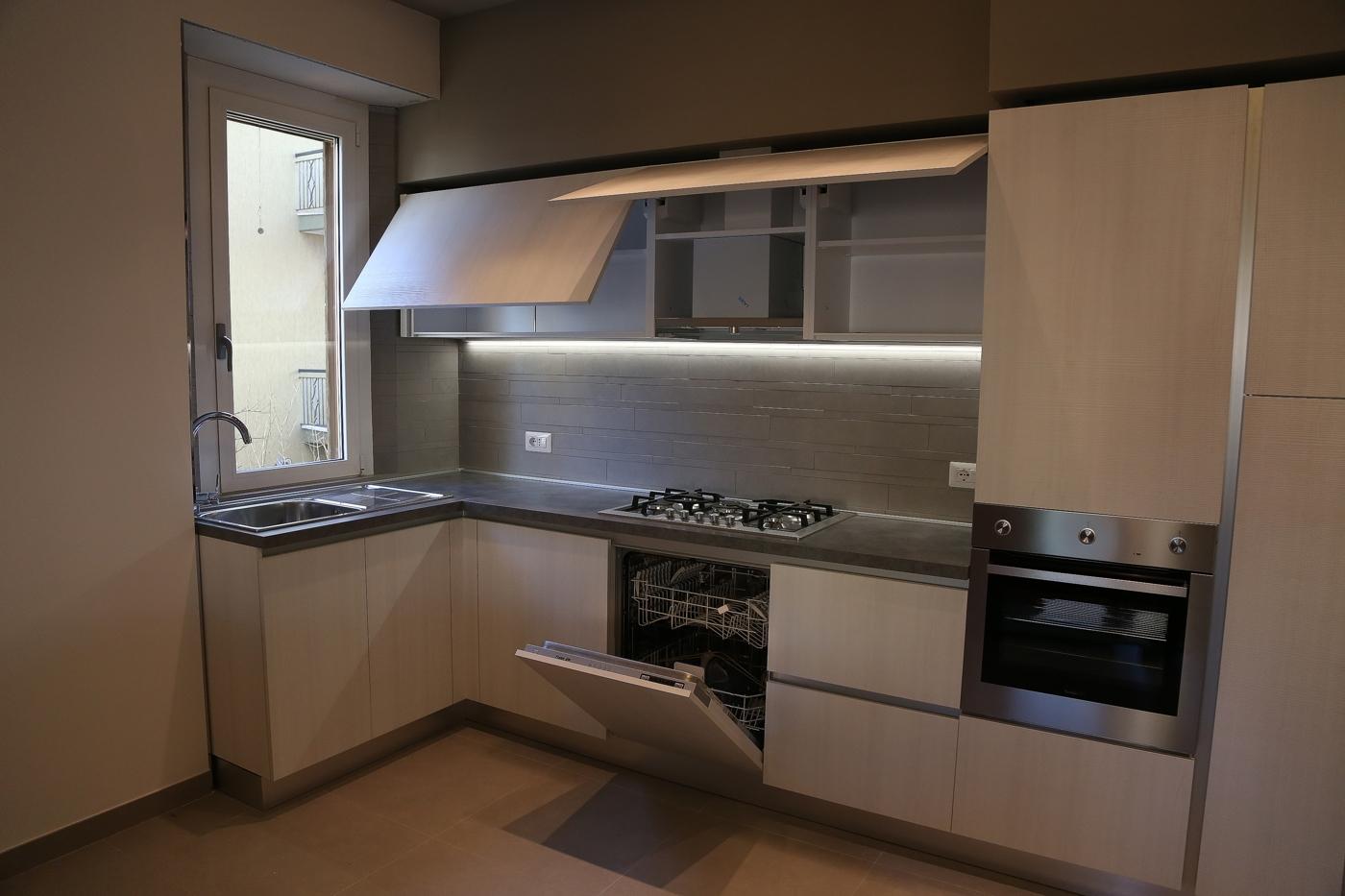 Cucina su misura casa del mobile rimini - Laminato in cucina ...