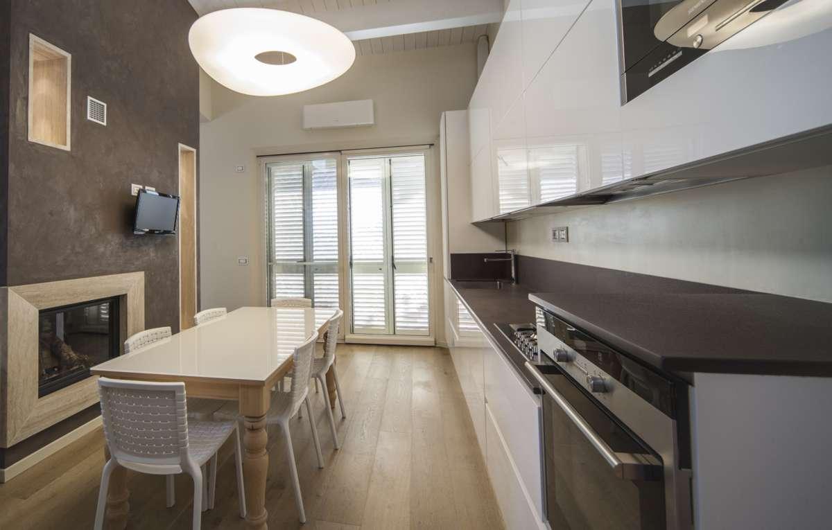 tavolo in cucina - Casa del Mobile di Fratti, Rimini